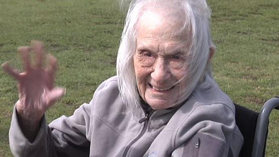 102-year-old-golfer.jpg