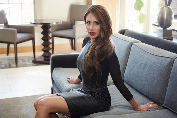 Holly-Sonders-Most-Beautiful-Women-5.jpg