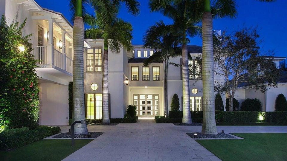 Lee-Westwoods-Mansion1.jpg