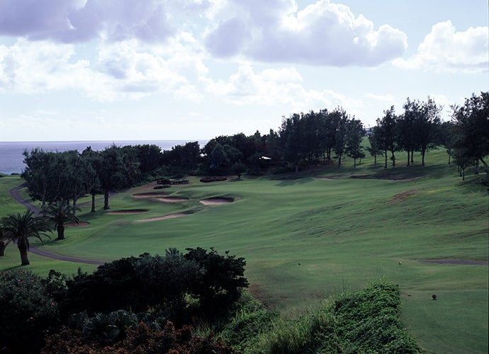 8. Mid Ocean Club, Tucker's Town, Bermuda; 17th hole, 203 yards par 3