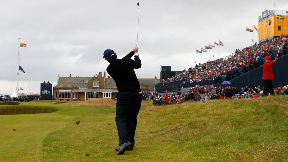 Phil-Mickelson-18th-hole-photgrapher-british-open.jpg