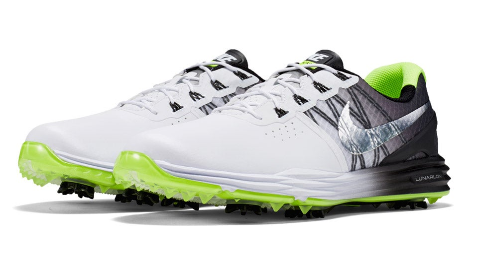 Rory-McIlroy-Nike-Lunar-Control-3-Shoes.jpg