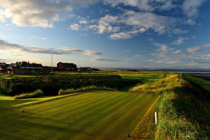 Royal-Troon-Golf-Club-Hole-1.jpg
