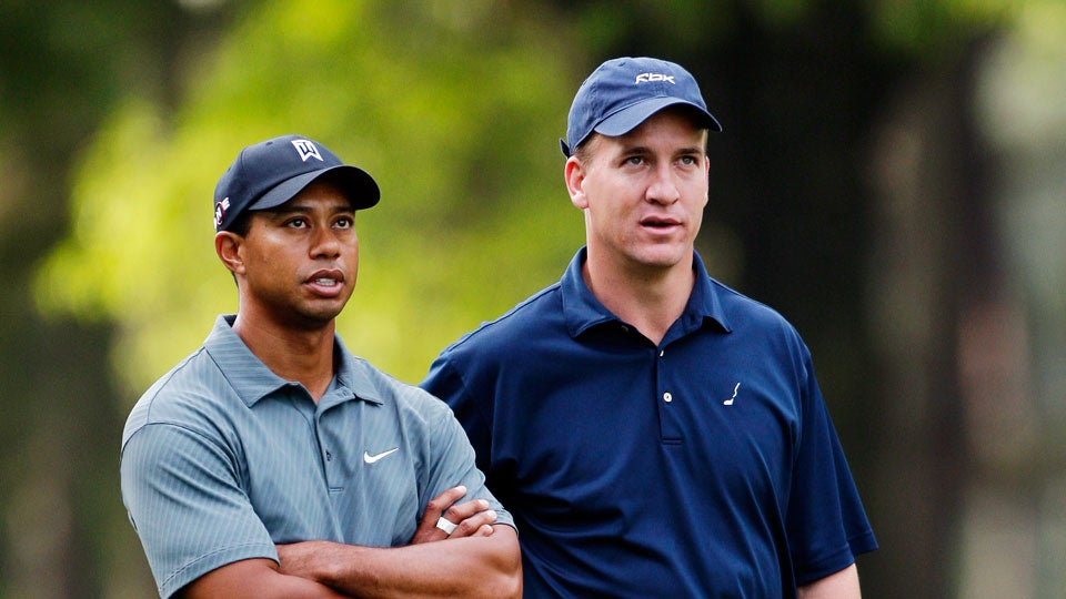 Tiger-Woods-Peyton-Manning-Super-Bowl-Golf_0.jpg