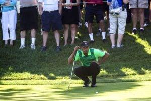 Tiger-Woods-Putt.jpg