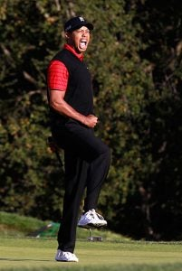 tiger-woods-wins-chevron-monday-follow_337.jpg