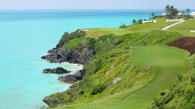 The dramatic par-3 16th at Port Royal clings to a cliffside.