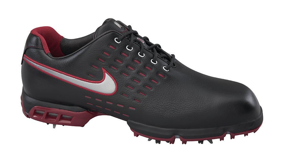 9fd4980ab457 Tiger Woods  Nike Golf Shoes Through the Years