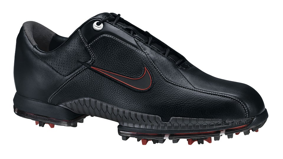 Tiger Woods  Nike Golf Shoes Through the Years 4f1790243