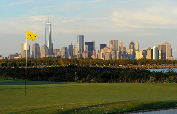 Liberty National Golf Club, Jersey City, N.J., 10th hole, par 3 150 yards