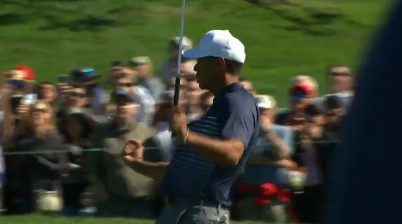 Tiger Woods Fist Pump Birdie Farmers