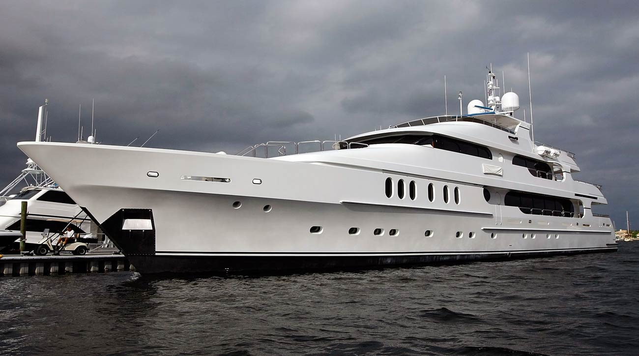 tiger woods hopes his yacht privacy brings good u s  open