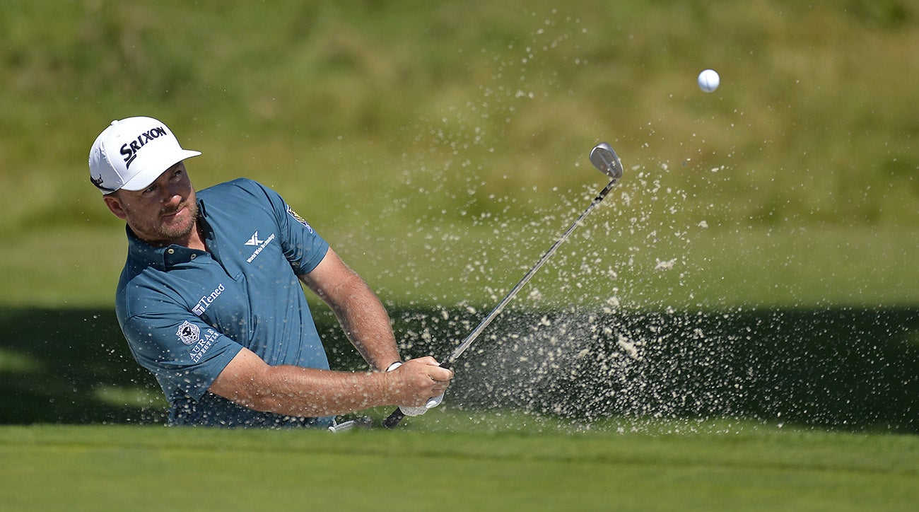 Airline loses Graeme McDowell's clubs