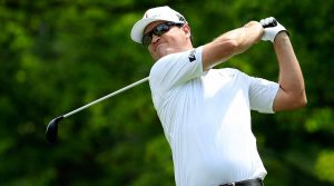Zach Johnson jumped in the mix with an opening-round 66 on Thursday at Bellerive.