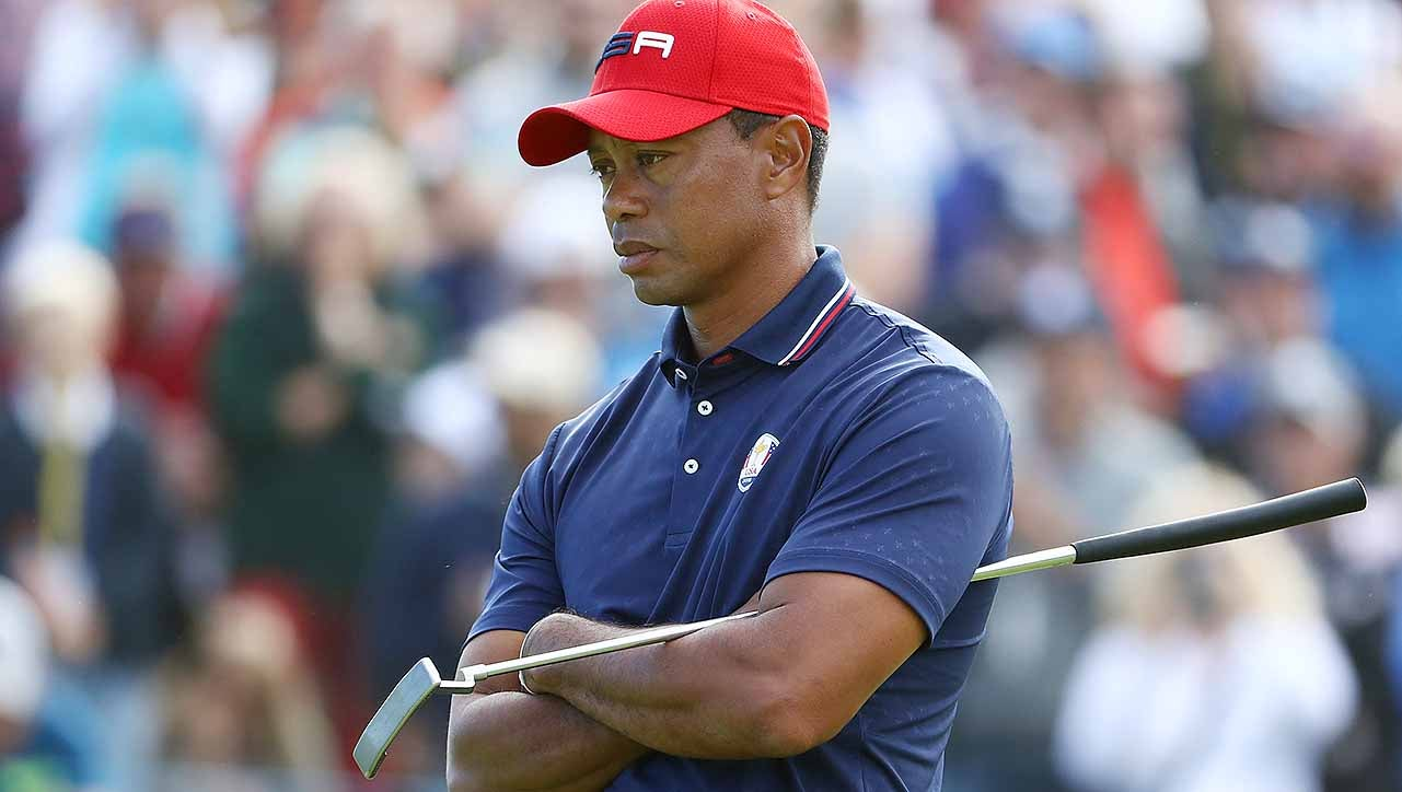 tiger woods loses sunday singles match to complete a winless ryder cup