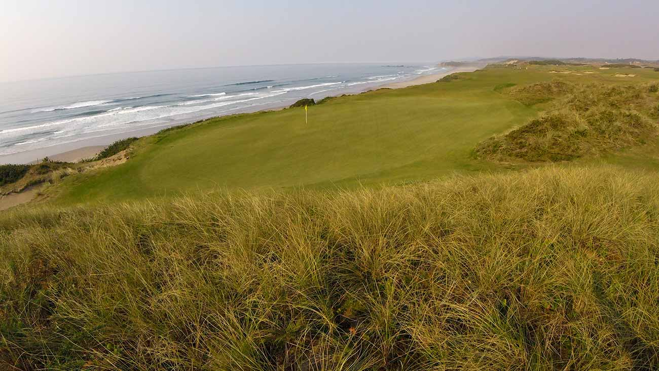The fourth hole at Pacific Dunes.