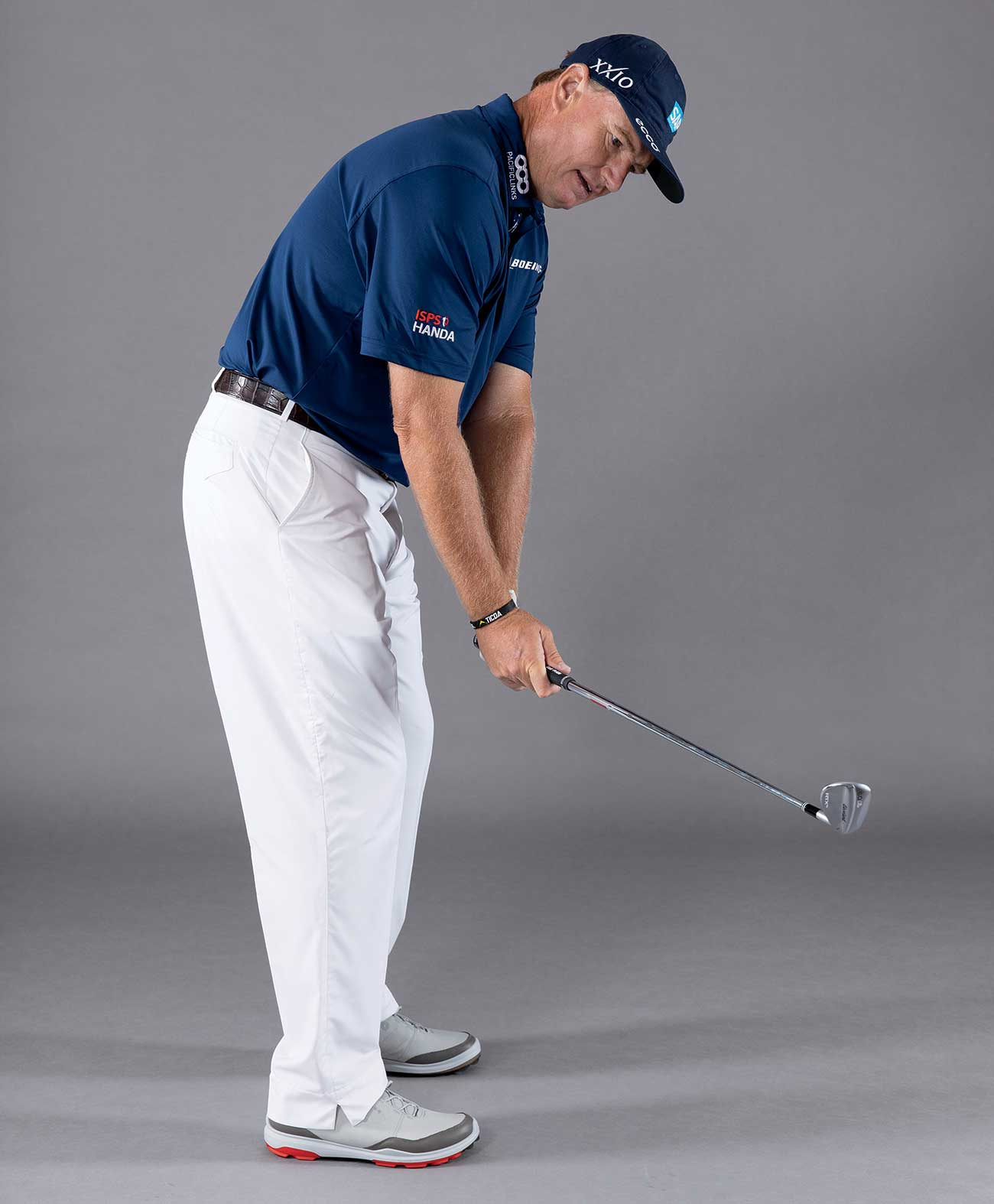 Ernie Els gives a wedge tip.
