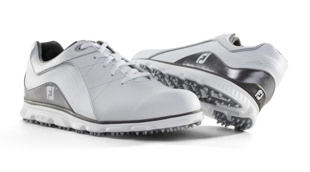 Should You Opt For Spiked Or Spikeless Golf Shoes Golf Com