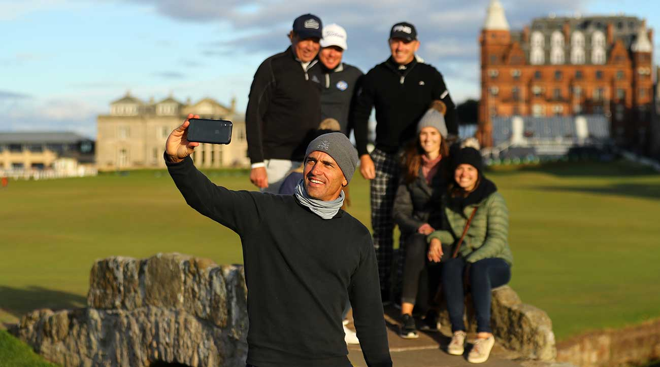 Kelly Slater takes a selfie on the Swilken Bridge at St. Andrews.