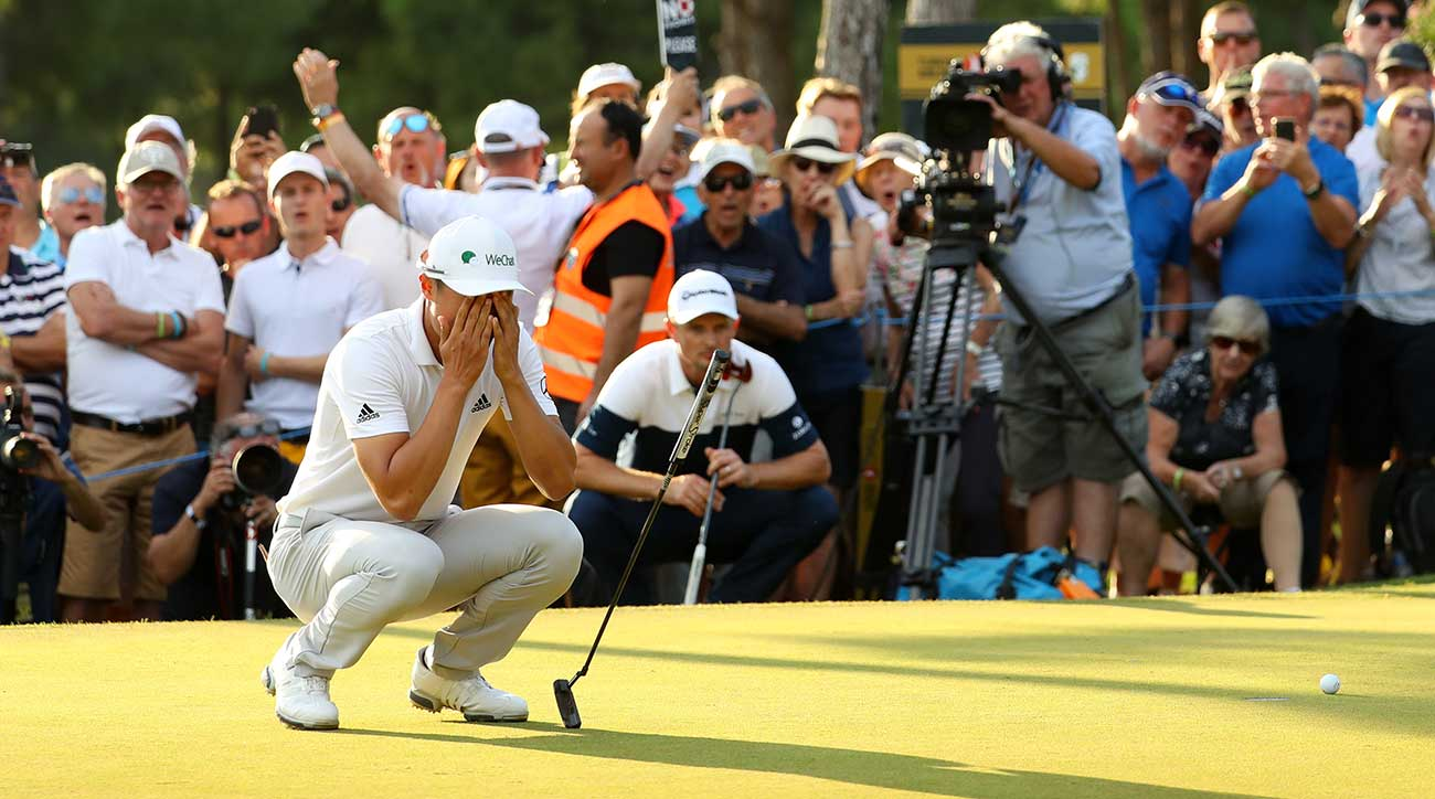 When Haotong Li missed this putt, Justin Rose (background) won and became the new World No. 1.