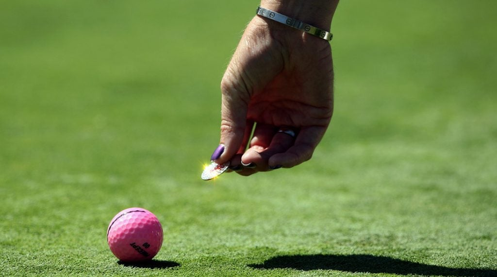 Marking ball on green