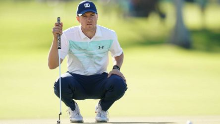 Jordan Spieth reads a putt during the first round of the Sony Open.
