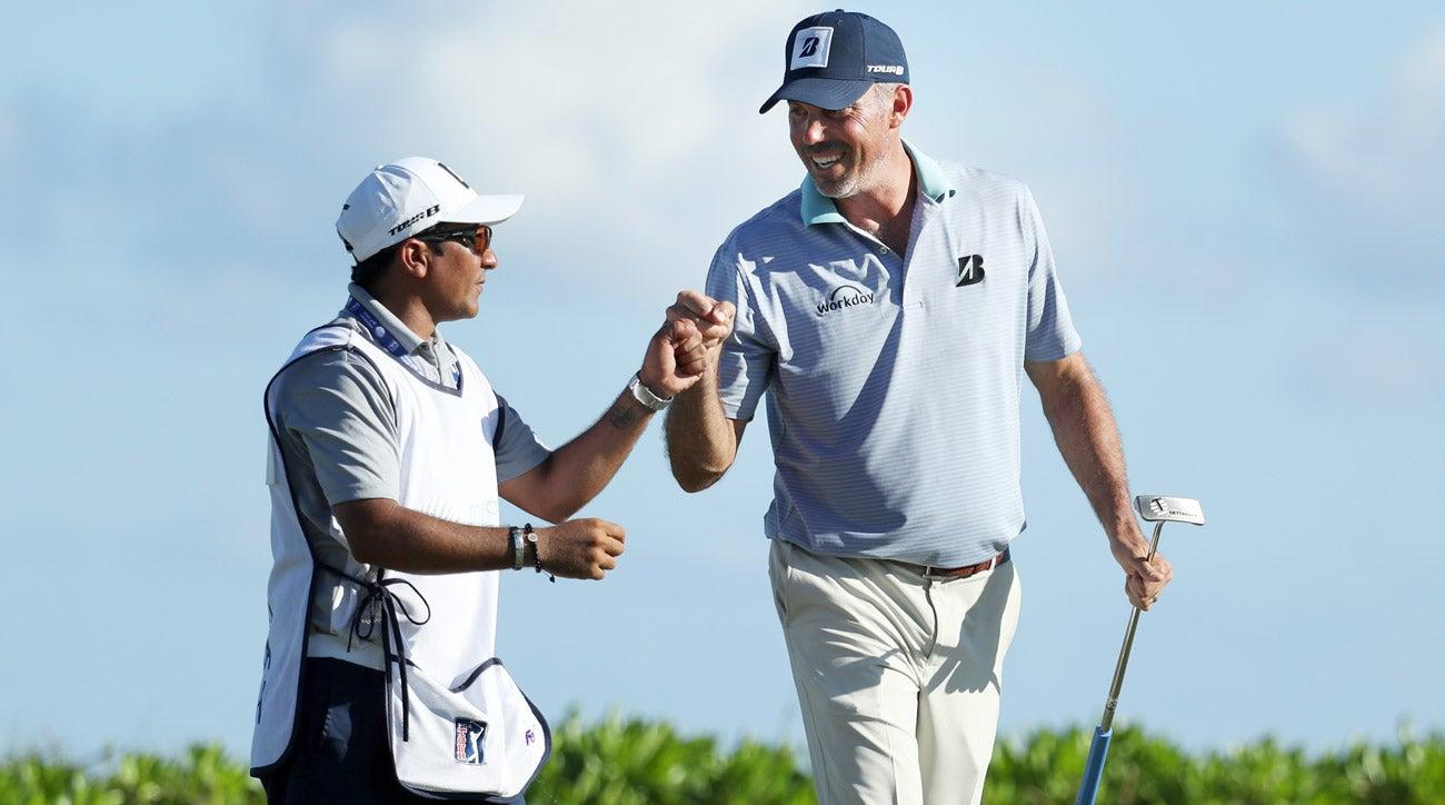 Matt Kuchar and El Tucan during the Mayakoba Golf Classic.