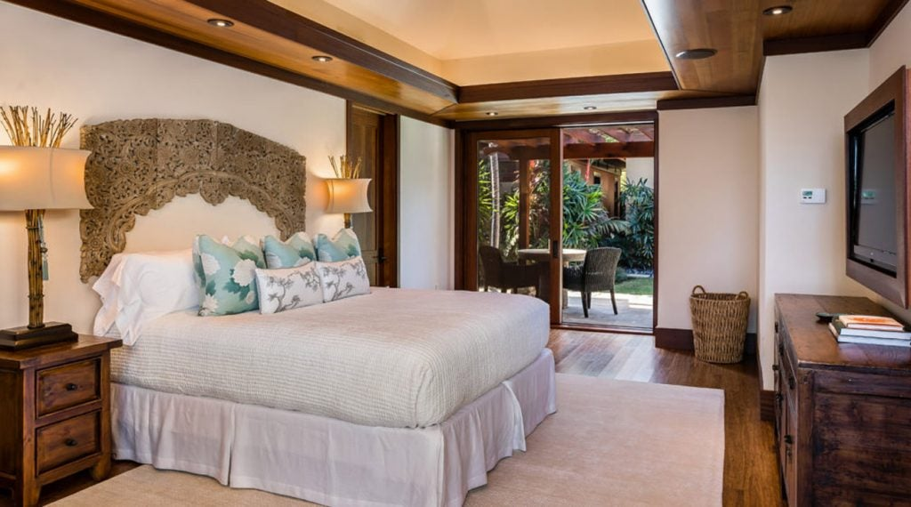 Parsons' home in Hawaii has six bedrooms.