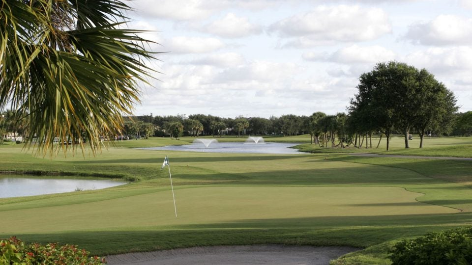 Abacoa's lakes and bunkers meet its sloping fairways with little obstruction.