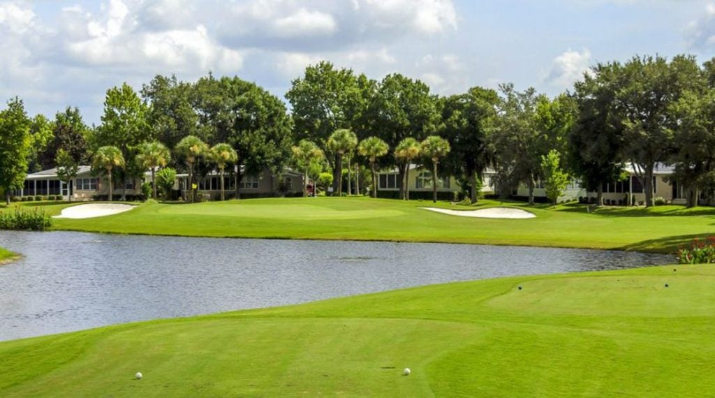 Crane Lakes has only one course on its property for golfers to play.
