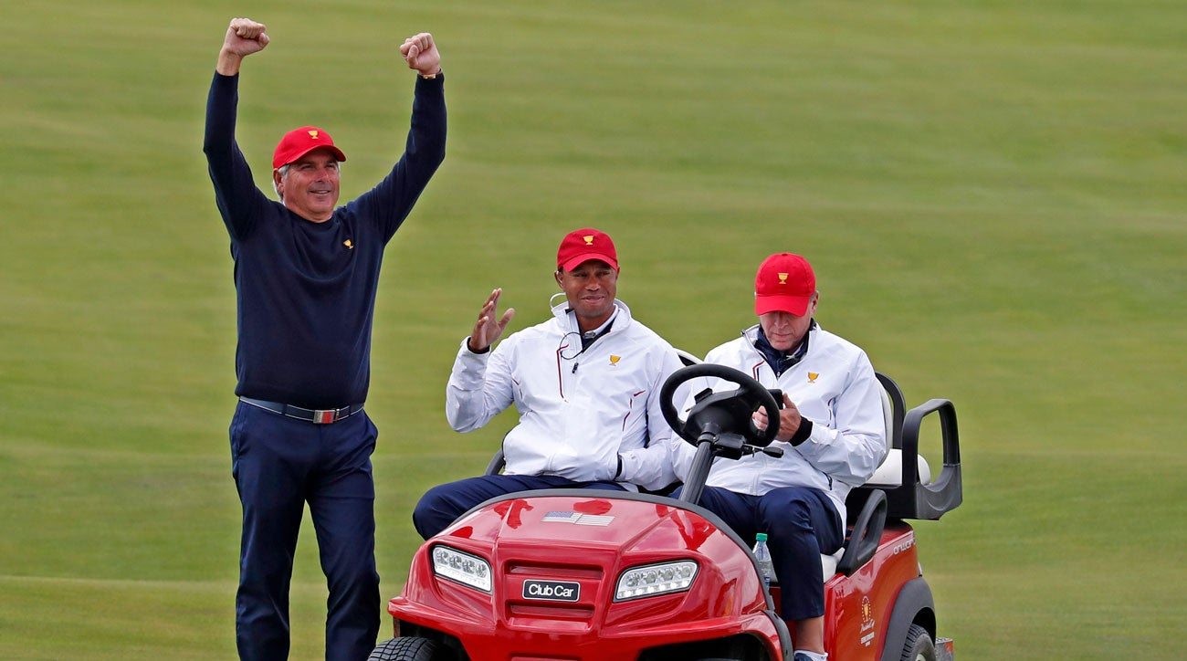 fred couples witnessed tiger woods make hole