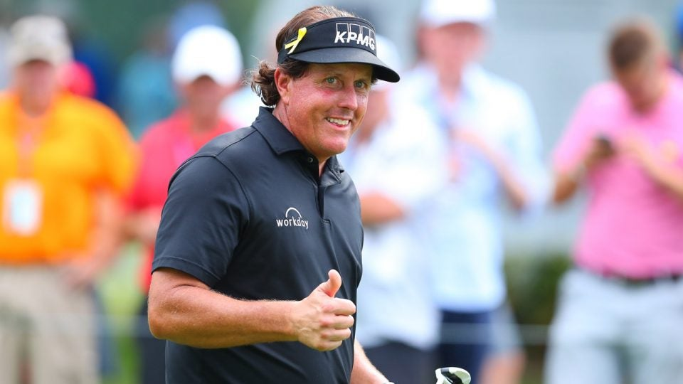 Phil Mickelson gives a thumbs up during the 2018 Northern Trust event