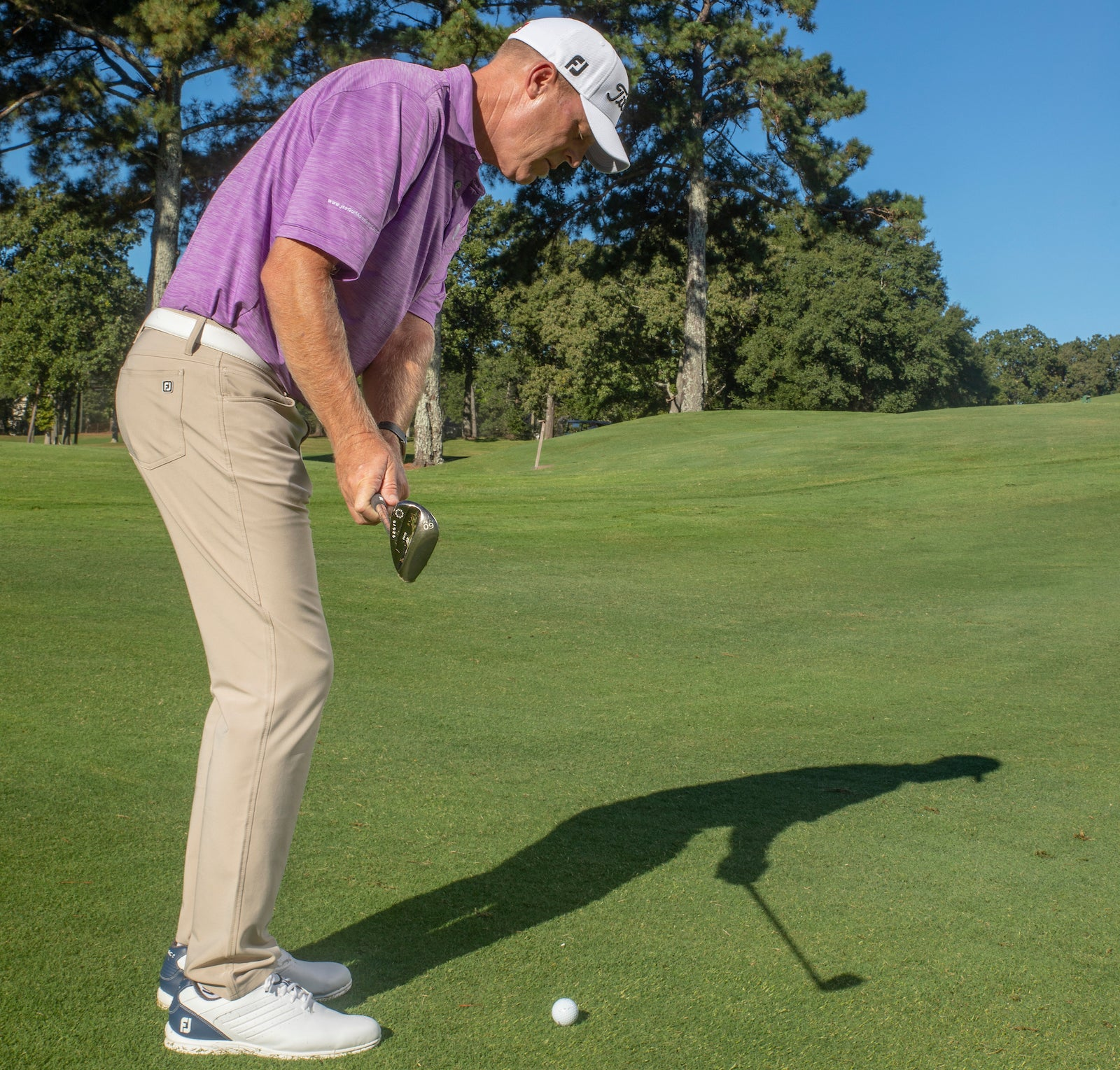 Short game golf tip: James Seickmann demonstrates an open stance