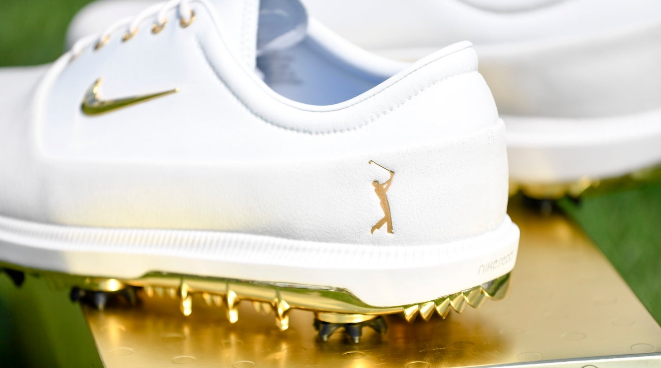 Check Out Rory McIlroys Gold Nike Shoes For The Players