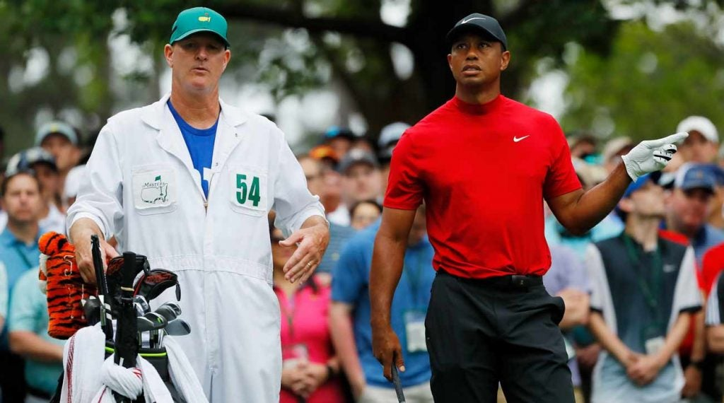 Tiger Woods' caddie Joe LaCava gave him a few key words of advice after bogeys at 4 and 5.
