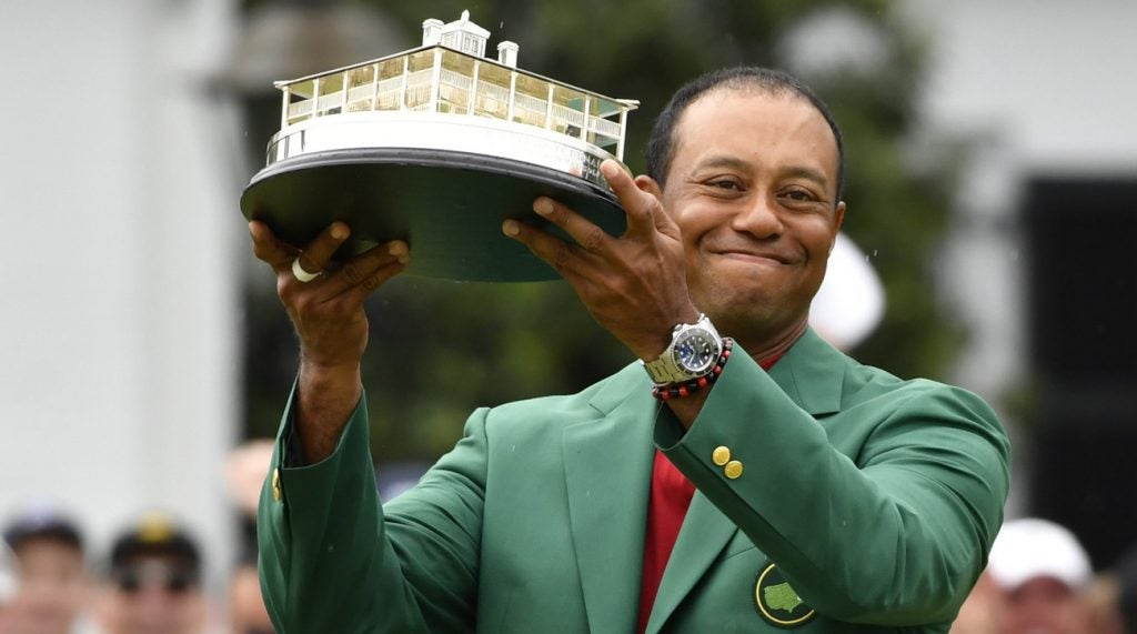 Tiger Woods will receive the Presidential Medal of Freedom from President Trump.