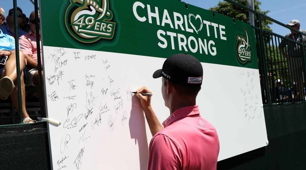 Webb Simpson was among those honoring the shooting victims in Charlotte.