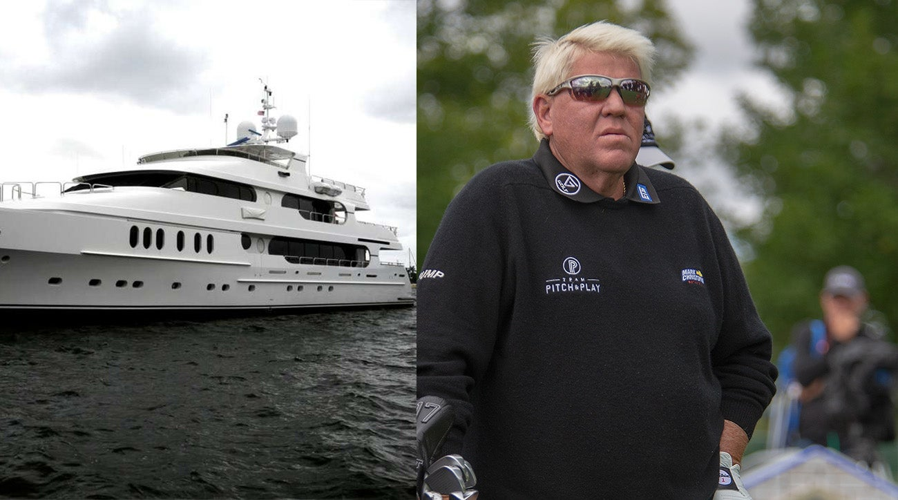tiger woods u0026 39  yacht arrives for the pga and john daly vs  walmart