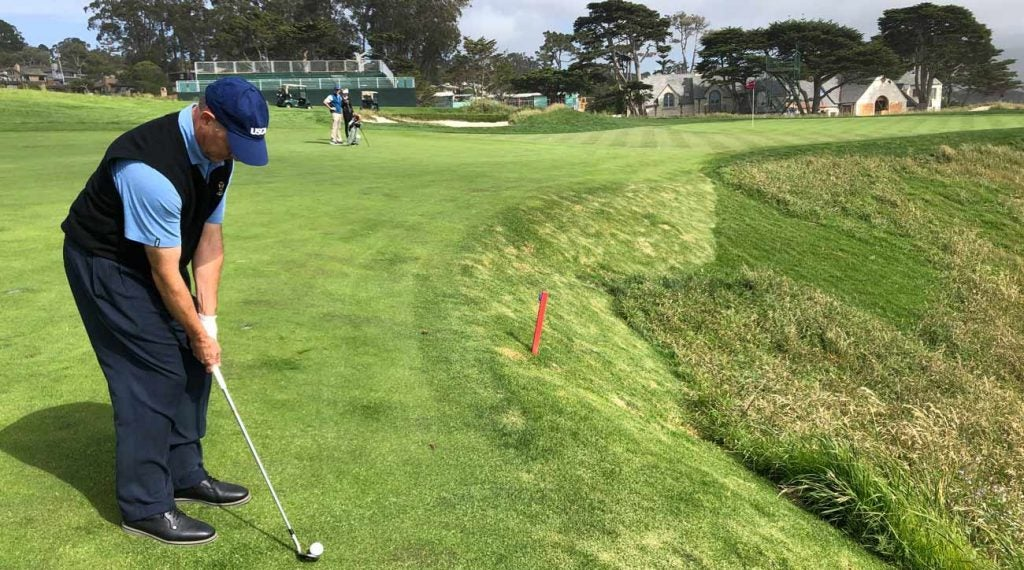 What happens when Mike Davis can't find his ball in a hazard?