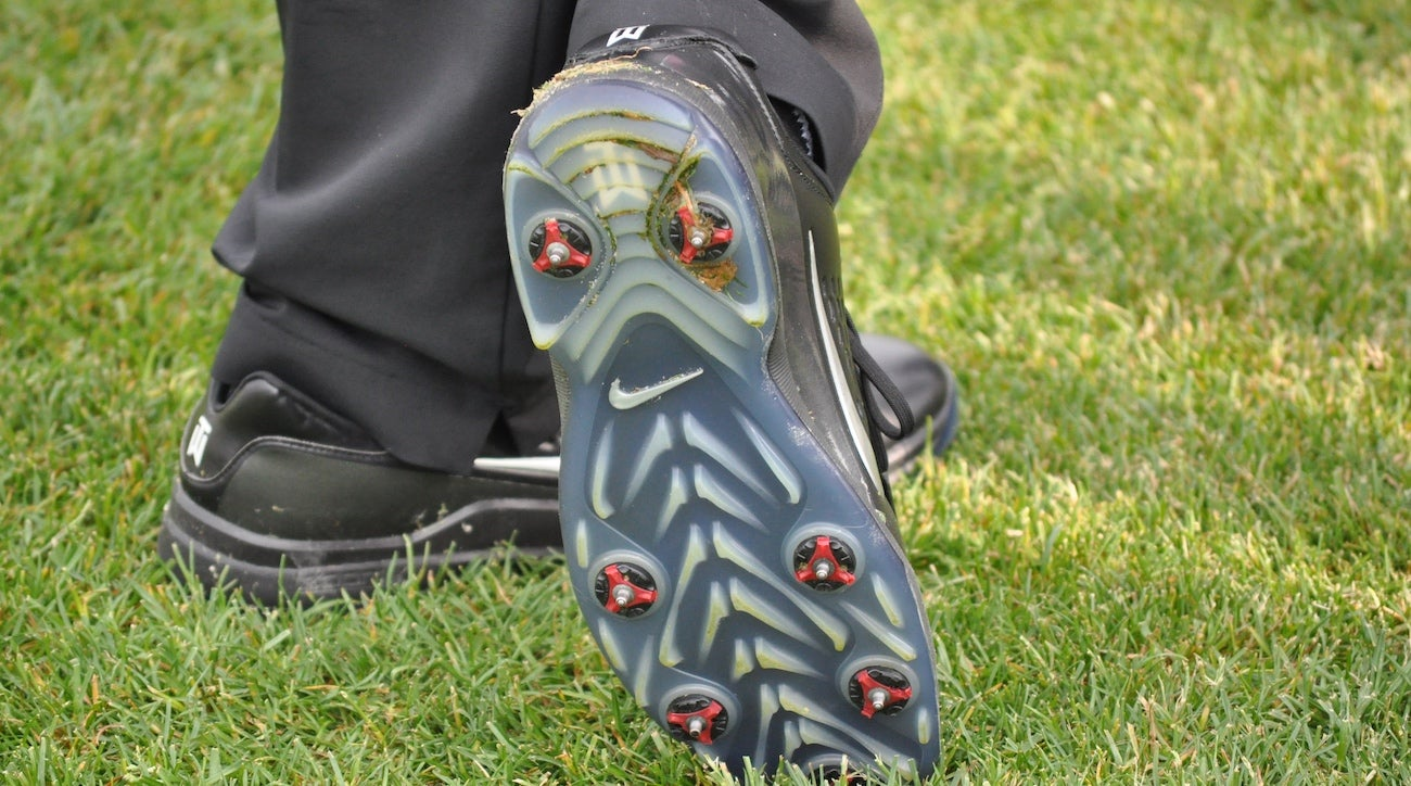 New study explains which golf shoes you