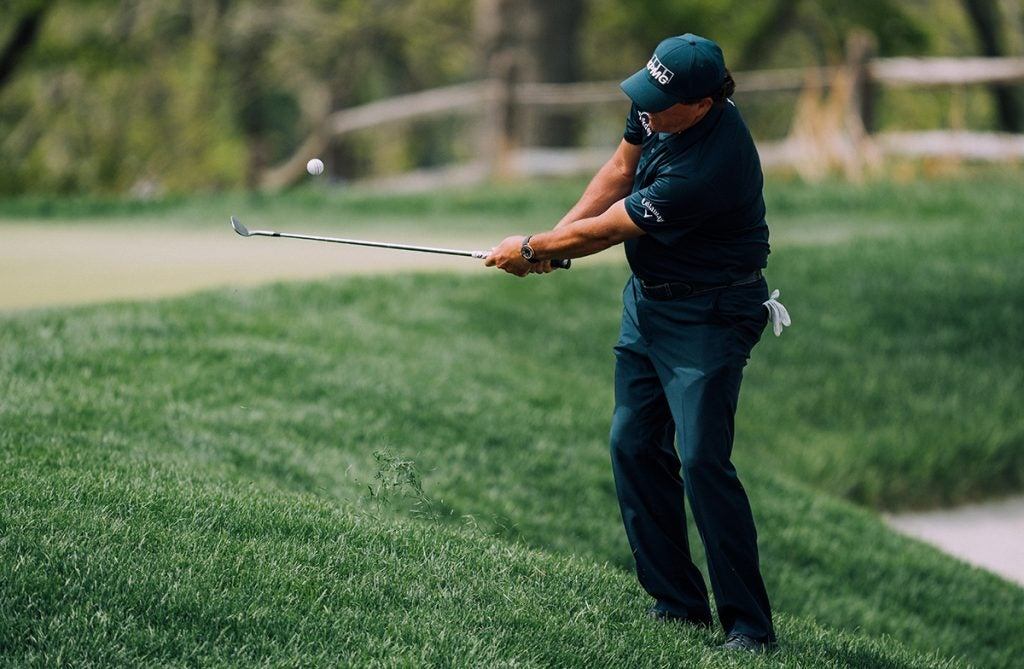 The Lefty short-game magic.
