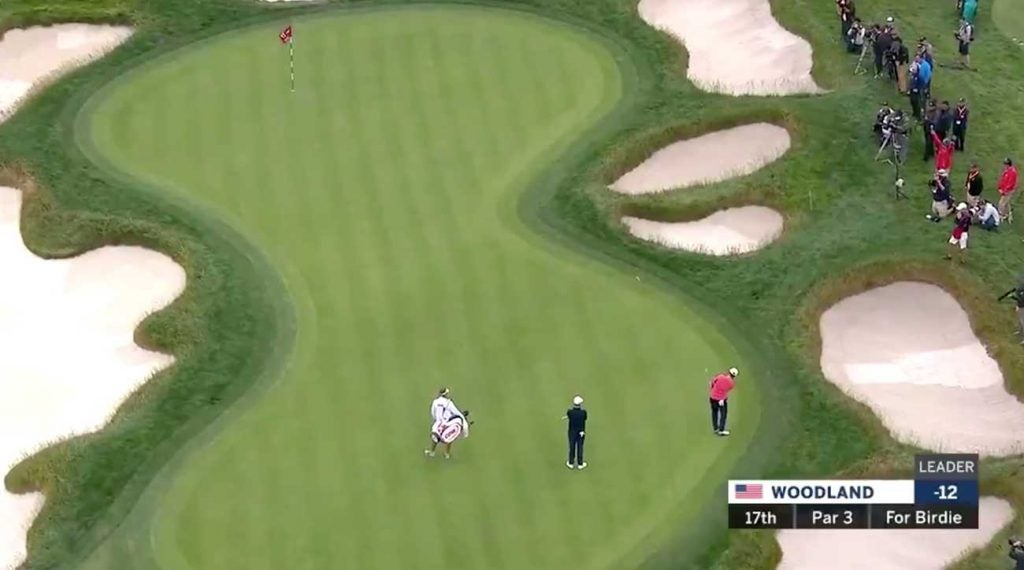 Gary Woodland lofts a chip to the 17th pin during the final round of the U.S. Open.