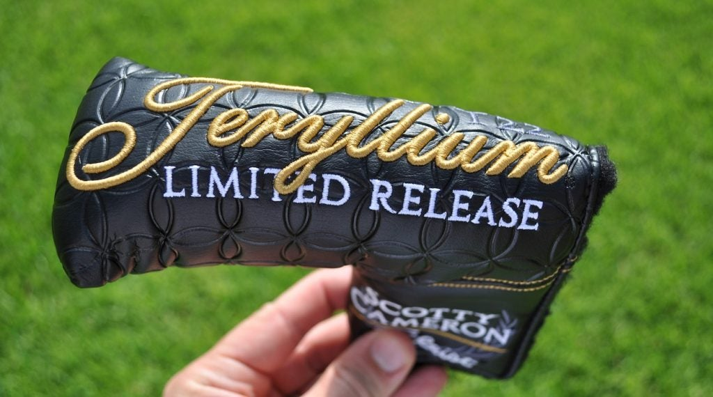 Scotty Cameron's T22 limited release headcover.