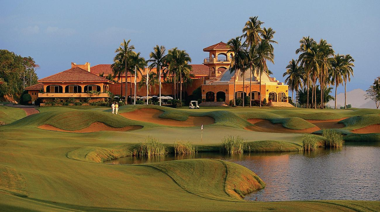 There are 27 total holes of golf at Grand Isla Navidad Resort.