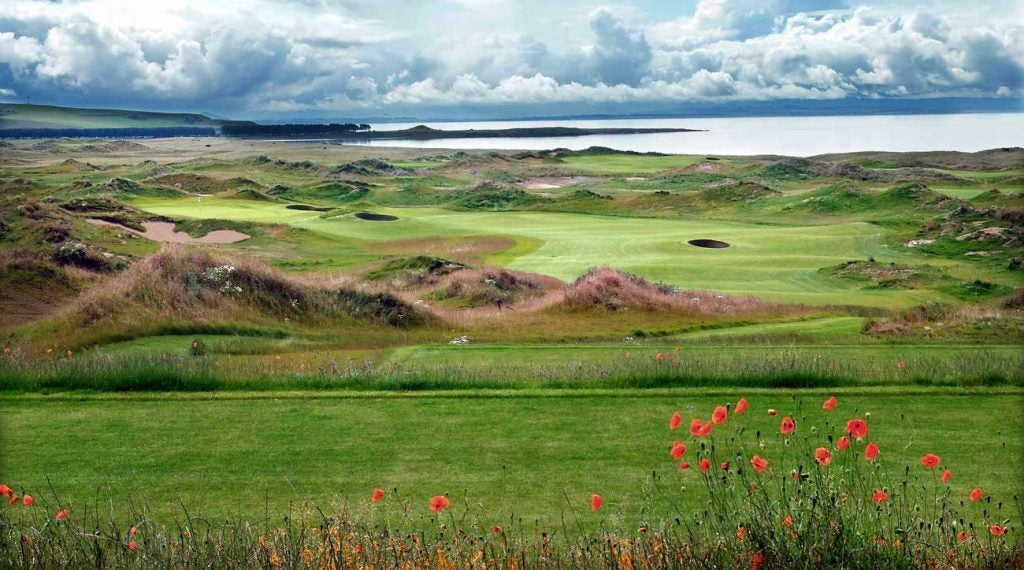 The beautiful 3rd hole at Dumbarnie Links is a potentially driveable par 4.