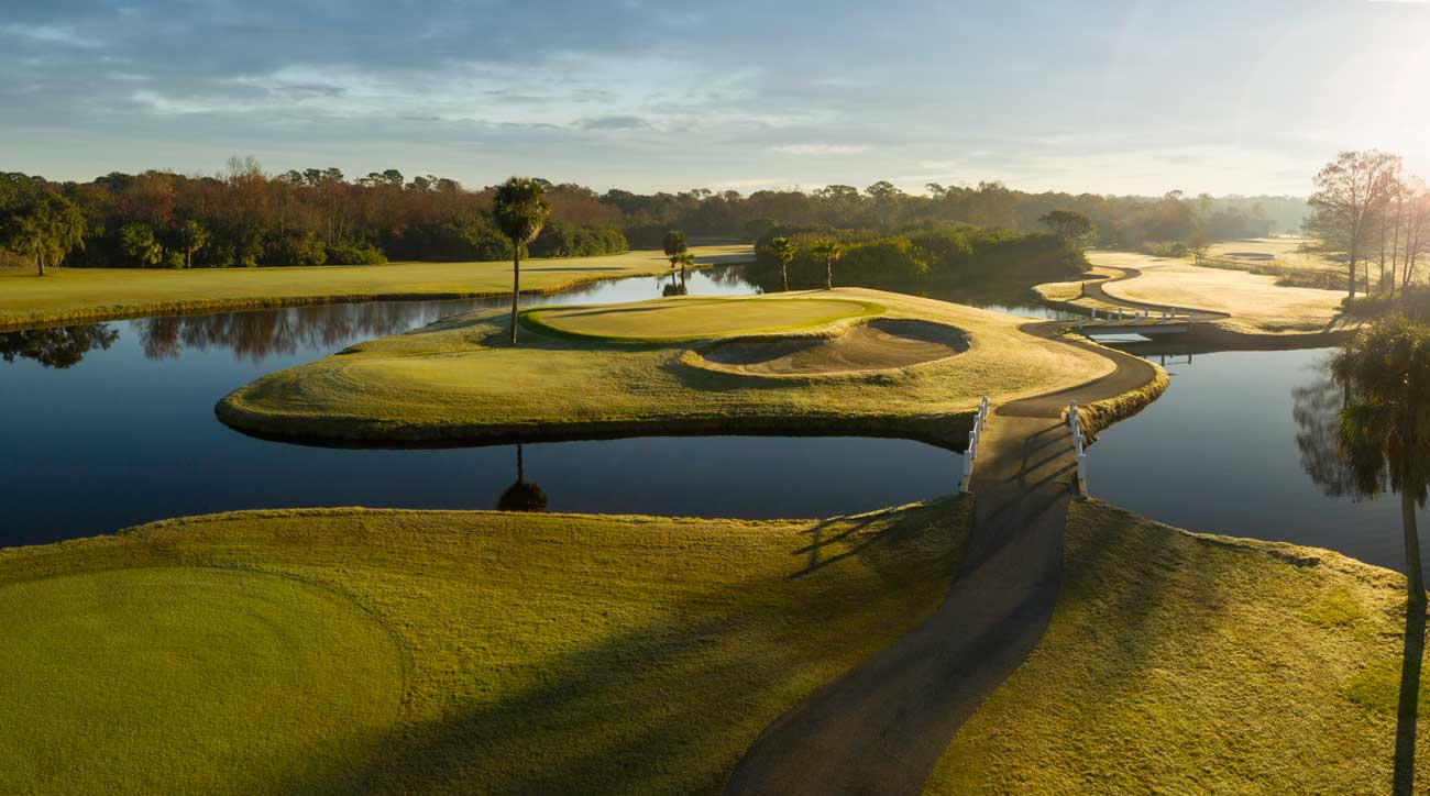 Just minutes from Tampa Bay International and right off bustling U.S. 41., Innisbrook's Copperhead Course hosts the PGA Tour's Valspar Championship and is a perennial favorite of Tour players.