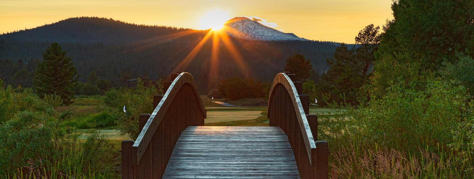 In the winter, it's a ski haven. Come summer, golf takes center stage. Sunriver has become a premier central Oregon resort playground.