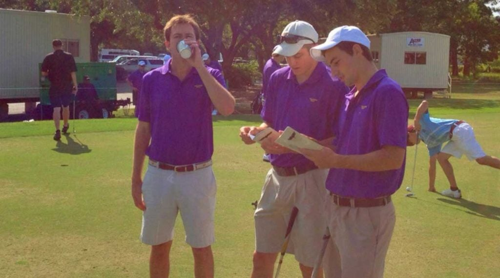 Dethier (far right) studying yardage books with teammates Jake Abrahams and Jack Ervasti. This would prove unhelpful.