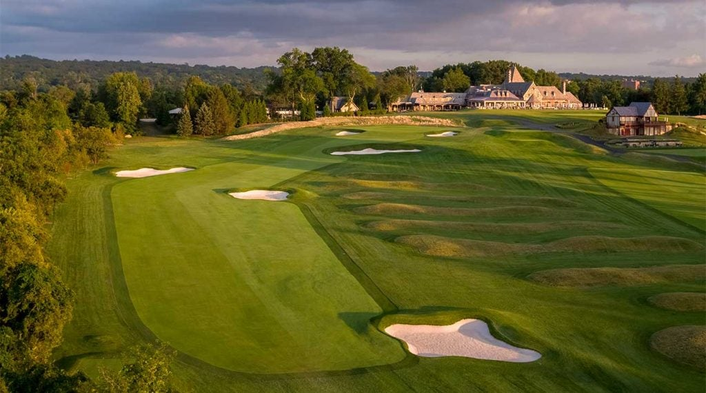 The dynamite 18th hole at Mountain Ridge, which finishes in front of the magnificent clubhouse.