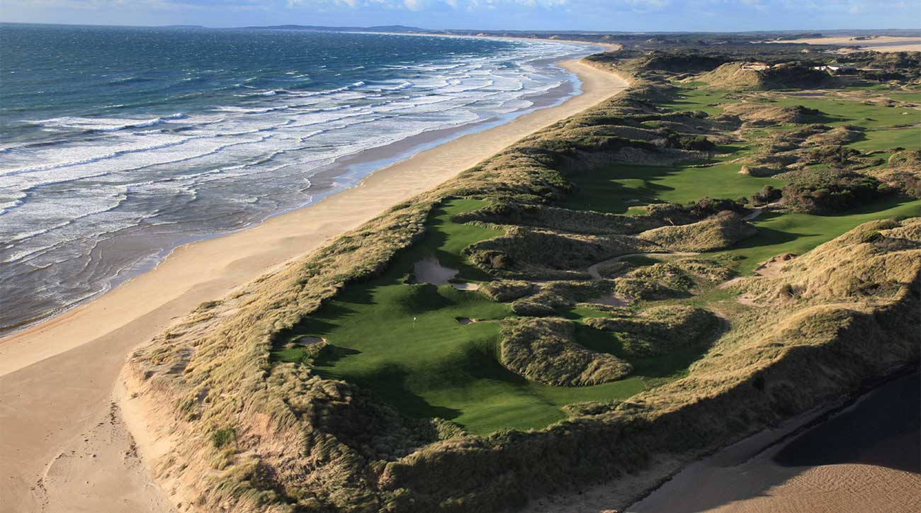 The 4th hole at Lost Farm at Barnbougle Dunes.